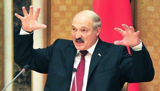 Группу «1+1» у Беларуси раздели и обыскали: за сюжет о Лукашенко