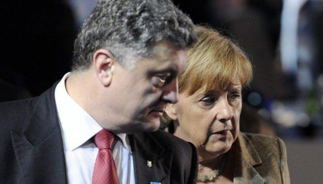 Порошенко розповів Меркель про 1200 обстрілів на Донбасі
