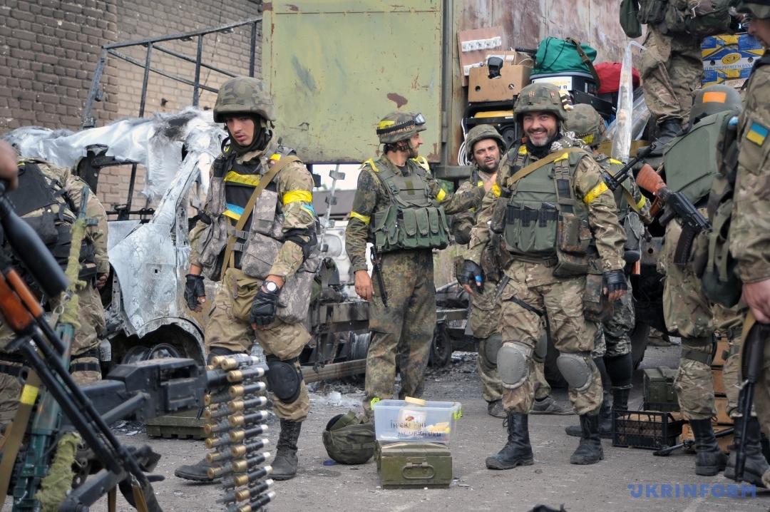 Подготовка к выходу украинских солдат из Иловайского котла