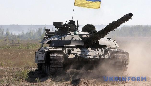 Танковые подразделения является залогом победы в сухопутных сражениях - Турчинов