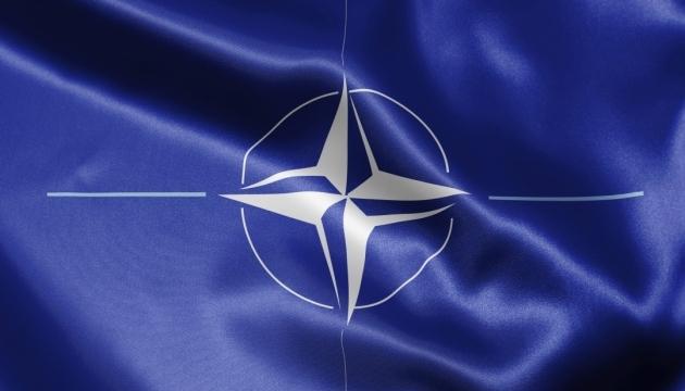 Словаччина пропонує звести НАТО і Росію на темі України