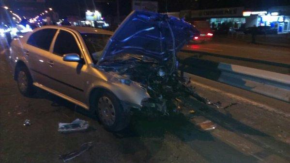 УКиєві сталася масштабна ДТП заучастю патрульних, шестеро людей постраждали