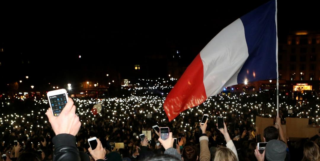 Світ вшанував пам'ять жертв терактів у Парижі. Лондон, Велика Британія.