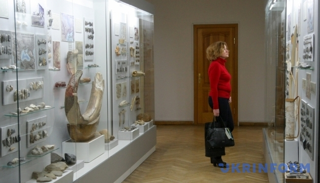 У Києві відкривається виставка вбрання Давньої Русі