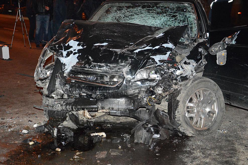 Жахлива аварія уДніпропетровську, авто вилетіло змоста у річку (ФОТО, ВІДЕО)