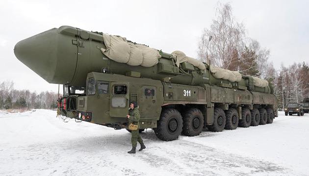 Подвижный грунтовый ракетный комплекс