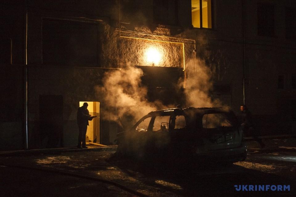ВУжгороді згорів Mercedes екс-голови Закарпатської облради