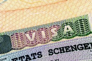 Zerkal: El régimen sin visados entre Ucrania y la UE puede ser pospuesto debido a las elecciones en Francia y Alemania