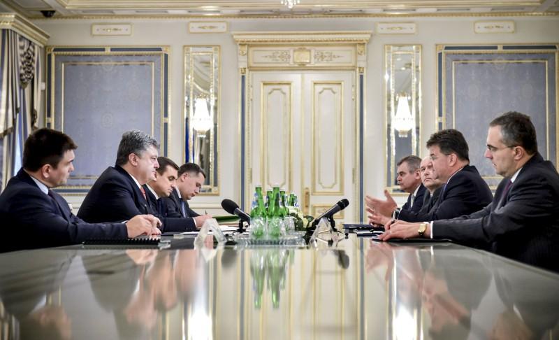 """Порошенко і Лайчак: Реалізація """"Північного потоку-2"""" неприпустима"""