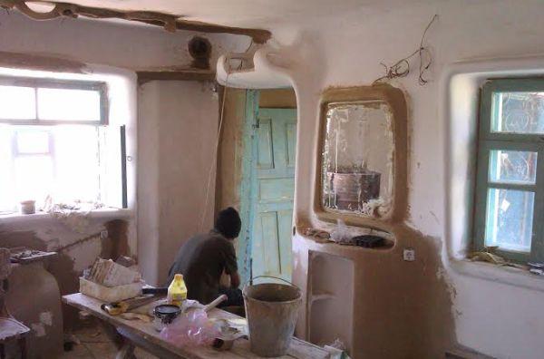 Одесити переробили стару хату-мазанку в сучасний еко-будинок
