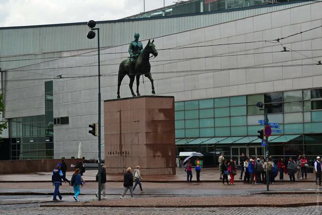 Памятник Карлу Густаву Эмилю Маннергейму
