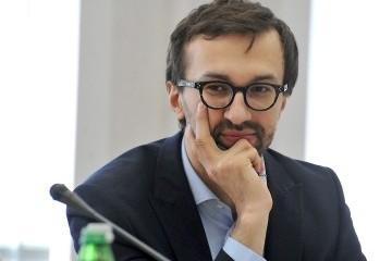 Лещенко заявляє, що не може завершити е-декларацію через хакерів