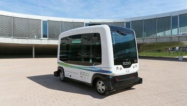 У Нідерландах представили перший у світі безпілотний автобус