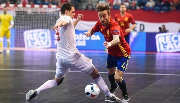 Футзал. Іспанці розгромили угорців на Євро-2016