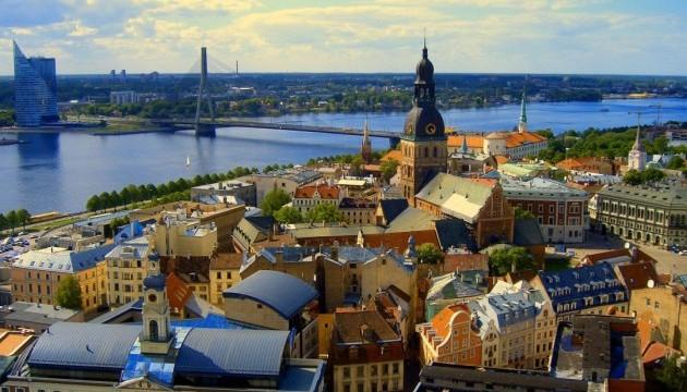 Латвія вводитиме національні санкції