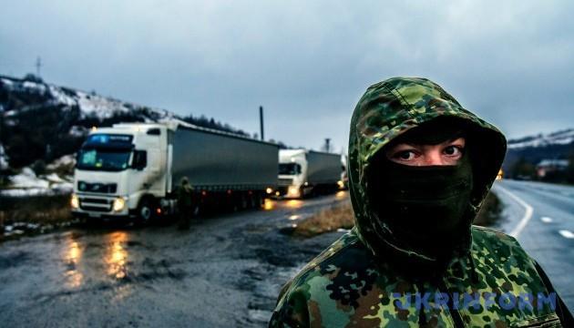 Блокування російських фур на Закарпатті наразі врегульоване - Москаль