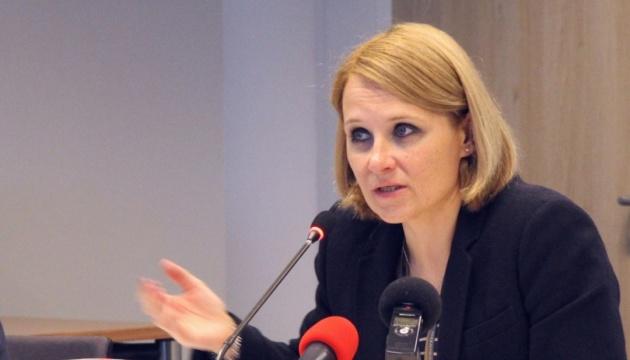 """Єврокомісія взялась аналізувати українські """"безвізові закони"""""""