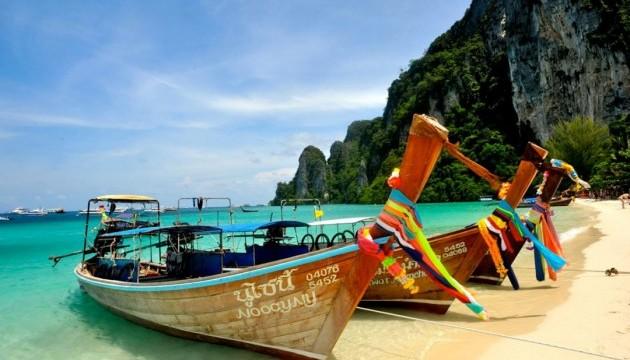 Таїланд обмежив час перебування в країні і заборонив в'їзд деяким туристам