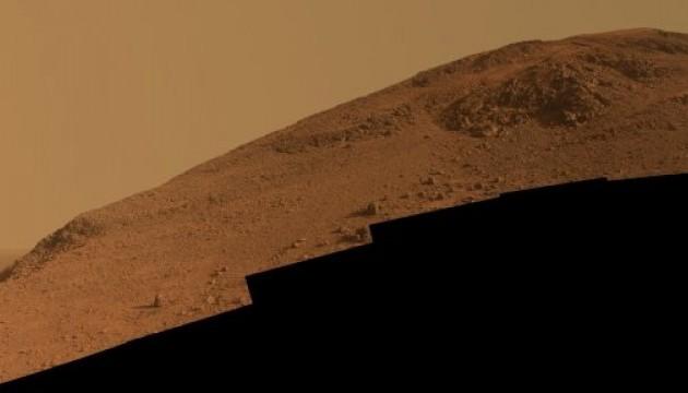 """Марсохід передав на Землю фото хребта """"Кнусден Рідж"""""""