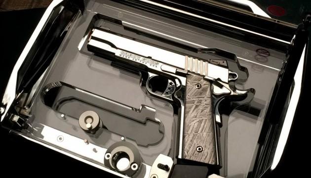 Пістолети з метеорита