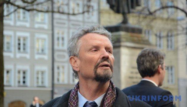 Отчуждение между Западом и РФ возникло не из-за Украины - немецкий политик