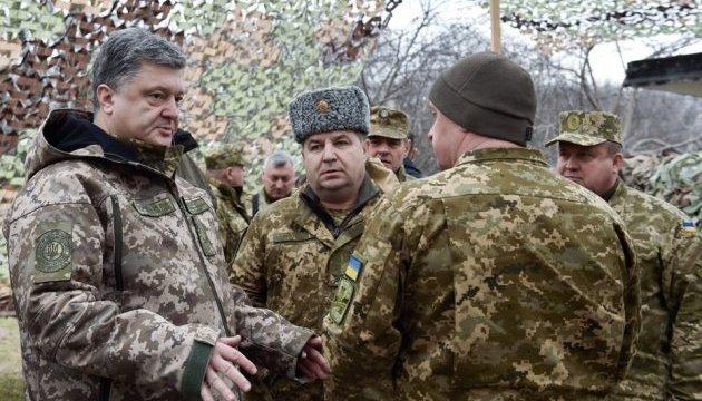 Президент передаст военным под Харьковом около 150 единиц техники