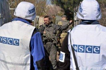 """Бойовики """"ДНР"""" погрожували зброєю спостерігачам ОБСЄ"""