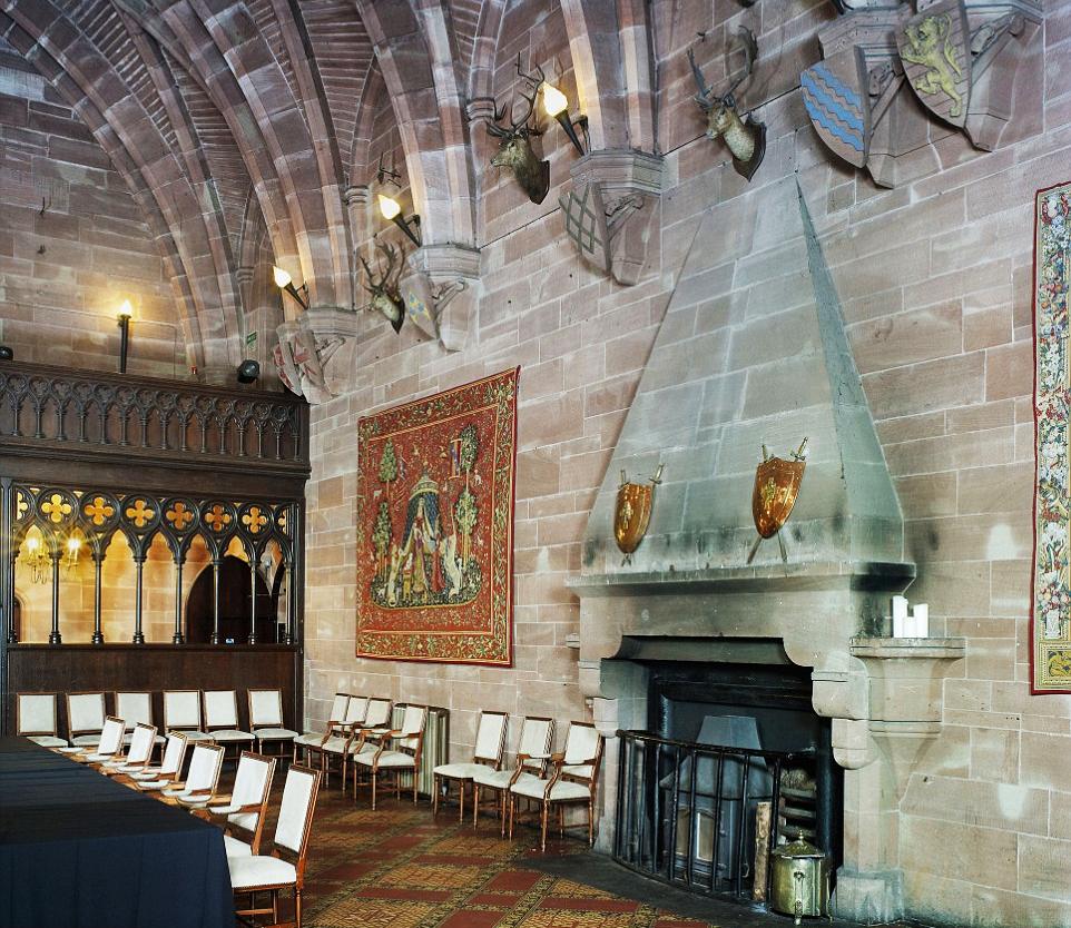 Порада туристу: Де можна переночувати у середньовічному замку