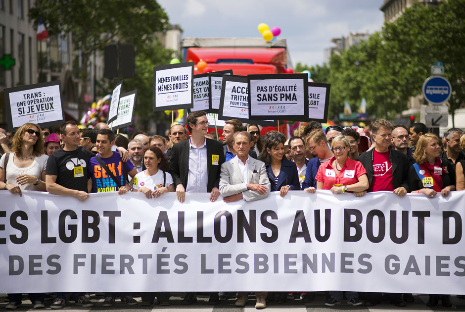 Бертран Деланое (в центрі), Париж, Франція, 29 червня 2013 року. Фото: Lionel Bonaventure / AFP
