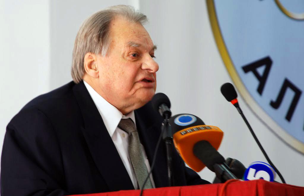 Геннадій Удовенко