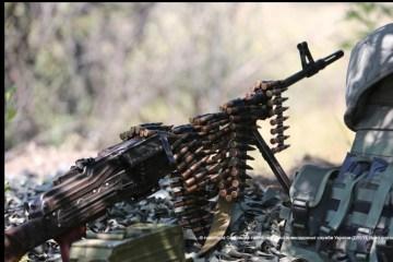 Бойовики обстріляли перехід у Мар'їнці: людей евакуювали