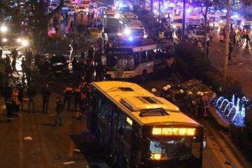 Poroshenko y Groysman expresan sus condolencias a las familias de las víctimas en Estambul