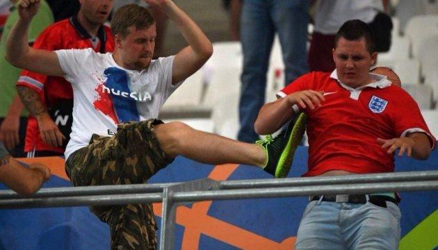 УЄФА обіцяє Росії суворі санкції за бійку фанів у Марселі