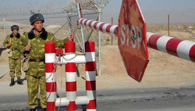 Узбекистан временно закрыл границу для четырех соседних стран - СМИ