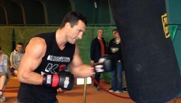 Кличко продовжує підготовку до бою з Ф'юрі в Австрії