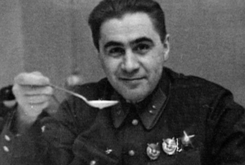 На фото Павло Судоплатов - співробітник російських спецслужб