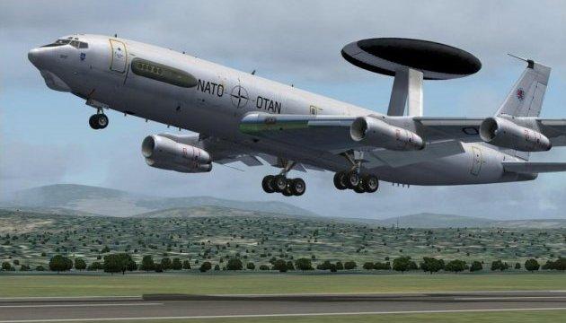 НАТО предоставит самолеты-разведчики для борьбы с ИГИЛ