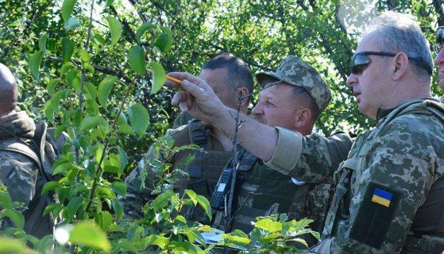 Муженко проинспектировал военных в зоне АТО