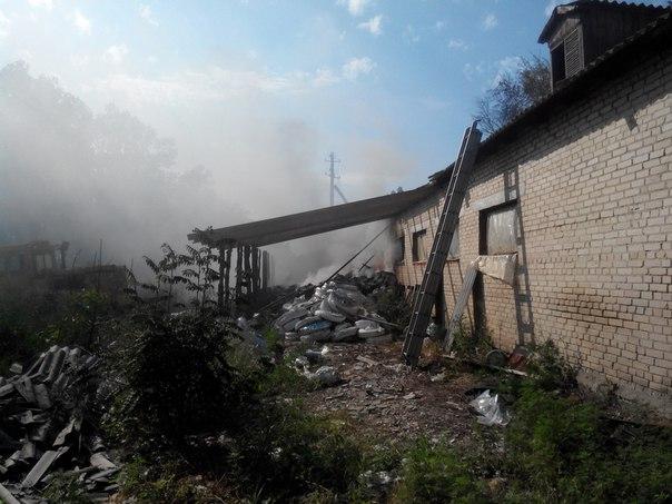 Пожар наскладах с пластмассовой тарой впригороде Харькова локализован