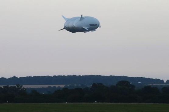 У Британії підняли в повітря найбільший літак-дирижабль