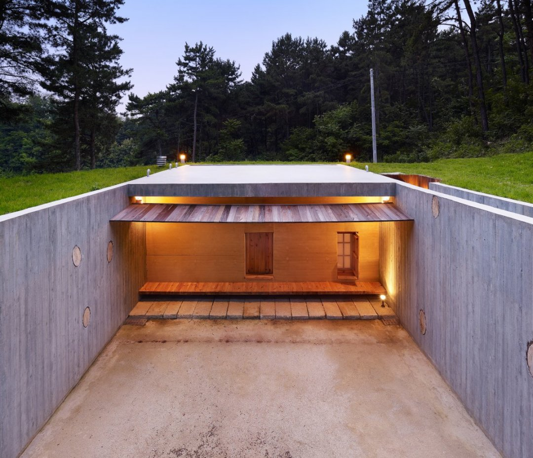 ТОП-10 унікальних підземних споруд: церкви, парки розваг та готелі