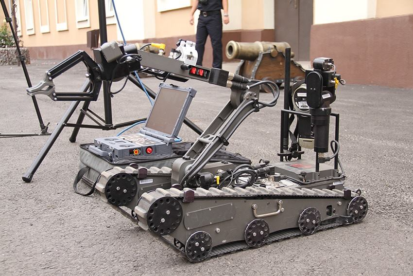 Autonomous module for sappers