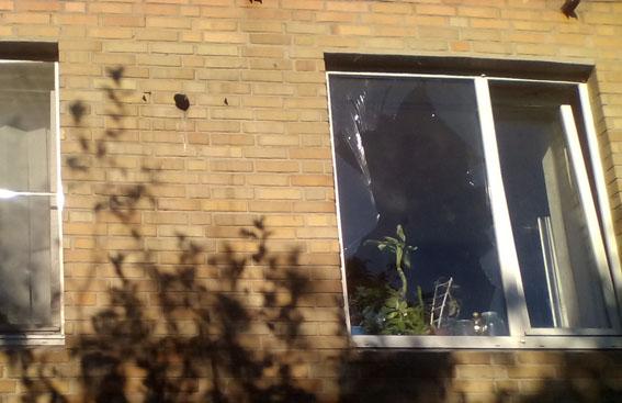 В итоге обстрела Торецка повреждены жилые дома