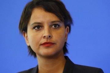 У Франції через радикальні погляди звільнили десять освітян