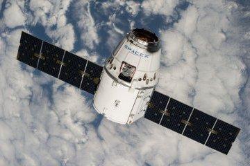 Корабель SpaceX привіз на землю тонну вантажу і 12 мишей