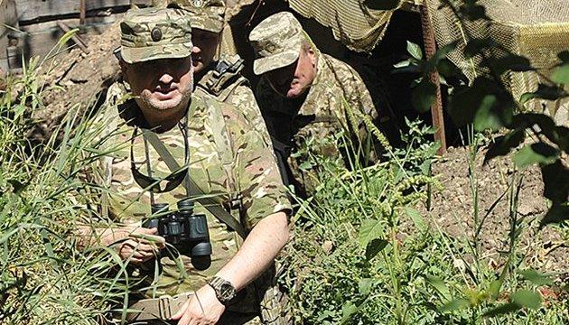 Росія розгорнула на кордоні з Україною нові дивізії та штурмову авіацію - РНБО