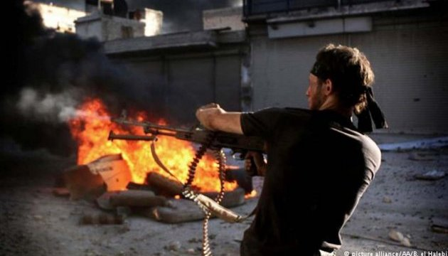 В Алеппо продолжаются напряженные бои