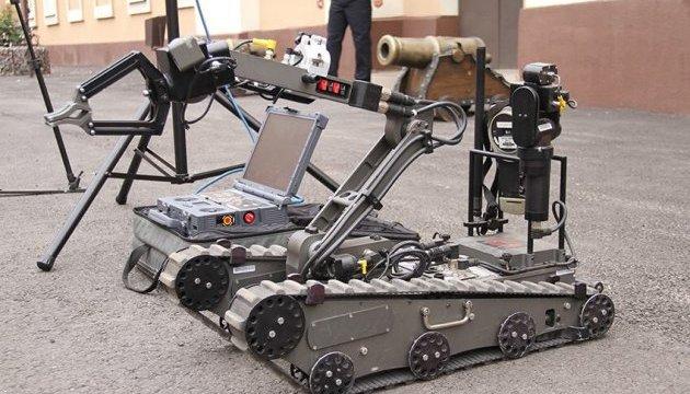 Аваков обіцяє закупити автономні модулі для саперів