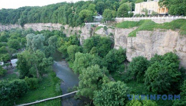 У Кам'янці-Подільському розкопали найстарішу будівлю міста
