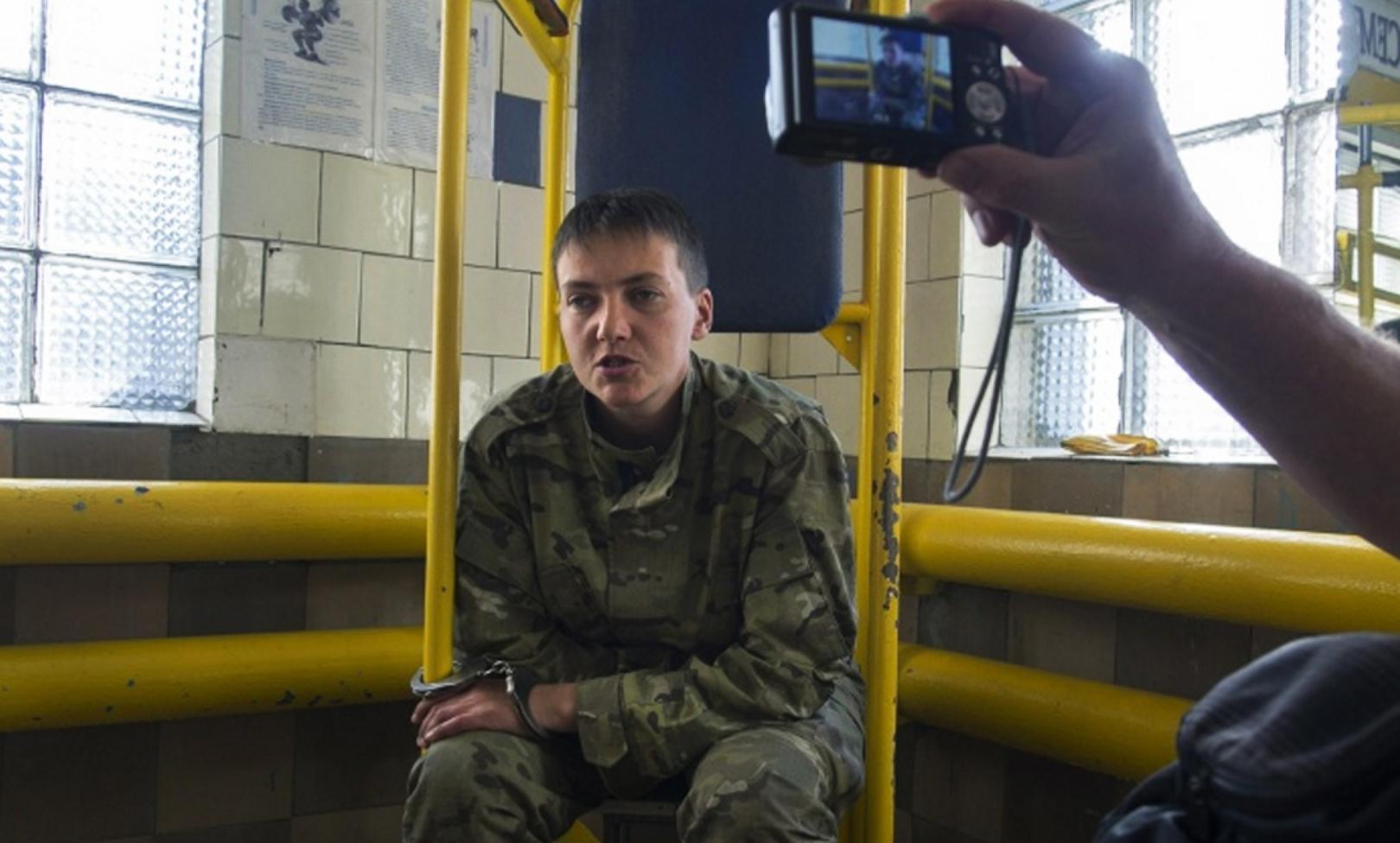 Військова прокуратура розслідує бій, в якому Савченко потрапила в полон